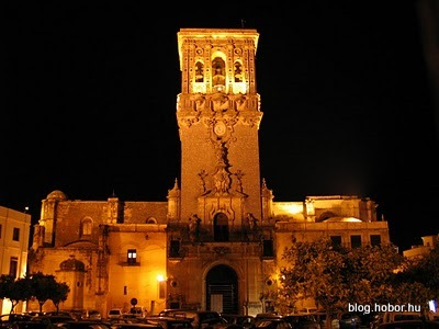 ARCOS DE LA FRONTERA, Spain - Plaza de Cabildo - Santa María Church by night