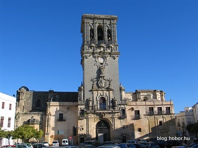 ARCOS DE LA FRONTERA, Spain - Plaza de Cabildo - Santa María Church