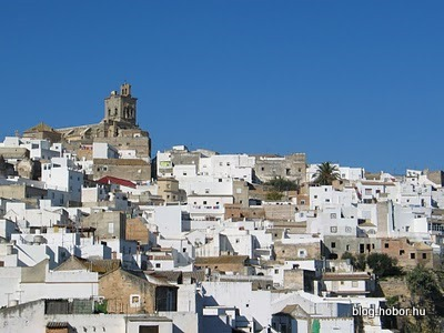 ARCOS DE LA FRONTERA, Spain - It is white :)